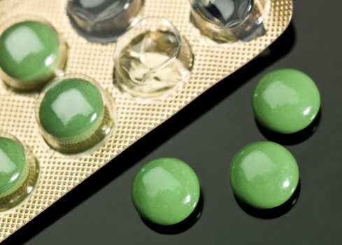 Blister「Green pills out of its blister pack」:スマホ壁紙(14)