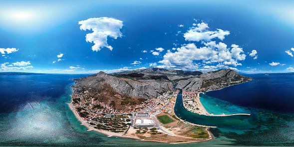 Adriatic Sea「360x180 degree spherical (equirectangular) aerial panorama of Omis resort, Dalmatian Coast, Croatia」:スマホ壁紙(11)