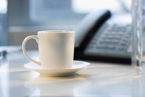 Coffee - Drink「Coffee mug and saucer on desk」:スマホ壁紙(17)