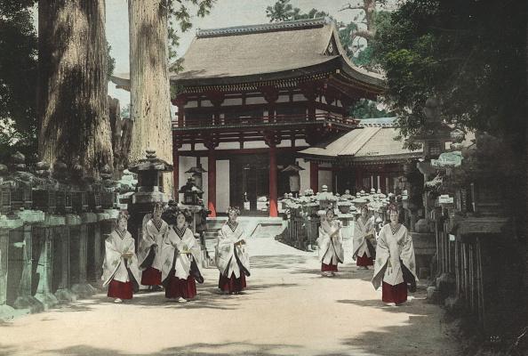 Spencer Arnold Collection「Kasuga Shrine」:写真・画像(9)[壁紙.com]