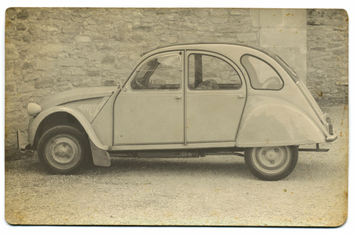 Sepia Toned「Vintage French Car」:スマホ壁紙(19)