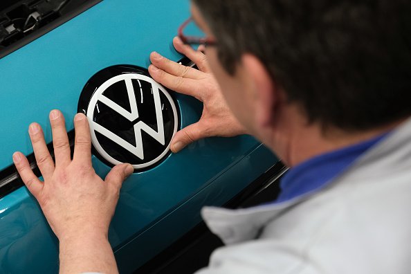 Volkswagen「Volkswagen Revs Up ID.3 Electric Car Production At Zwickau Plant」:写真・画像(6)[壁紙.com]