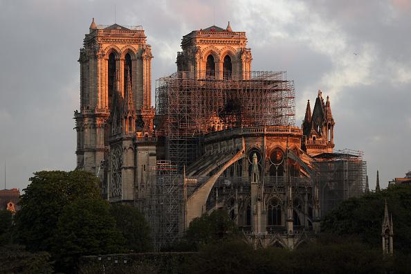 Notre Dame de Paris「Paris Assesses Damage Following Notre Dame Blaze」:写真・画像(8)[壁紙.com]