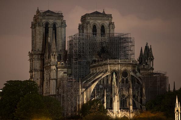 Notre Dame de Paris「Paris Assesses Damage Following Notre Dame Blaze」:写真・画像(18)[壁紙.com]