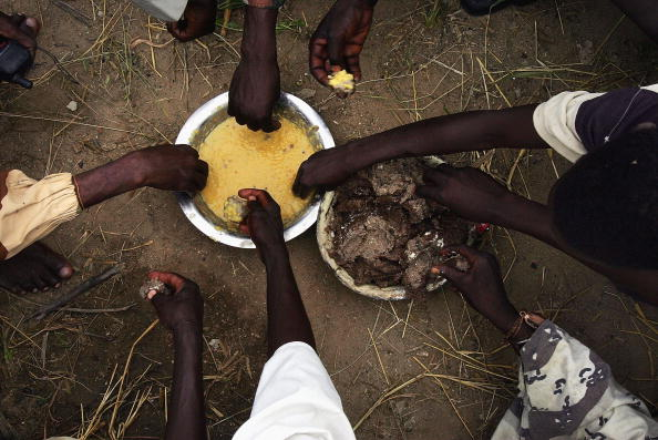 Eating「Sudanese Rebel Groups Arm Themselves As Peace Process Falters」:写真・画像(1)[壁紙.com]