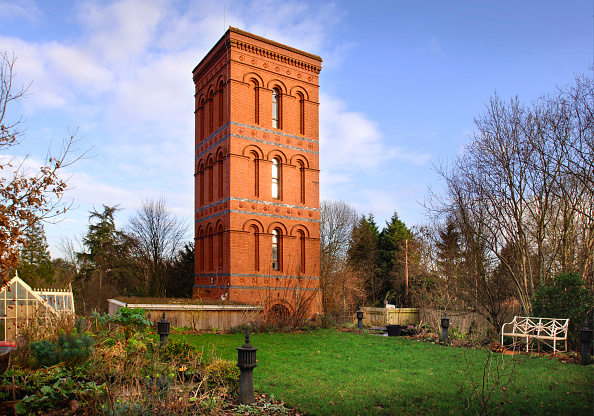 Grass Family「A converted Victorian water tower near Tewkesbury, Gloucestershire, UK」:写真・画像(9)[壁紙.com]