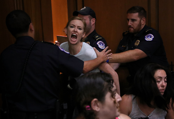 Protestor「Senate Holds Confirmation Hearing For Brett Kavanaugh To Be Supreme Court Justice」:写真・画像(15)[壁紙.com]