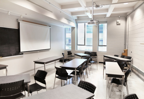 Projection Equipment「Small Modern University Classroom」:スマホ壁紙(13)