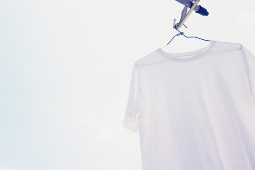 Laundry「Hanging White T Shirt, Low Angle View, Close Up」:スマホ壁紙(1)