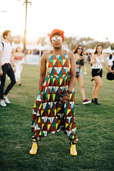 Street Style「Street Style At The 2019 Coachella Valley Music And Arts Festival - Weekend 1」:写真・画像(19)[壁紙.com]
