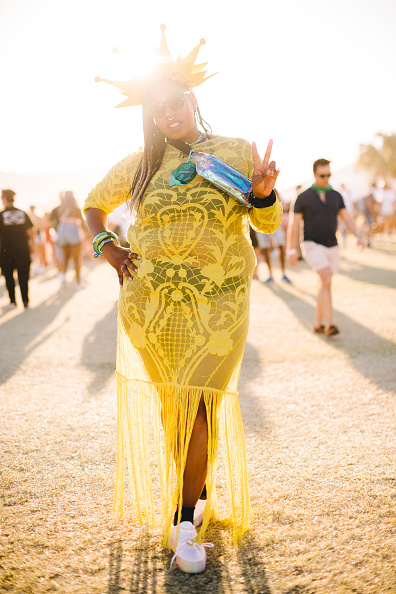 Yellow「Street Style At The 2019 Coachella Valley Music And Arts Festival - Weekend 1」:写真・画像(1)[壁紙.com]