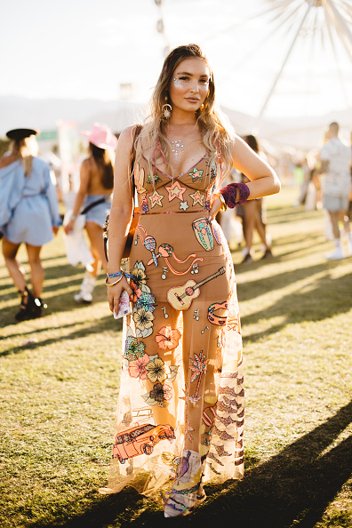 Weekend Activities「Street Style At The 2019 Coachella Valley Music And Arts Festival - Weekend 1」:写真・画像(13)[壁紙.com]