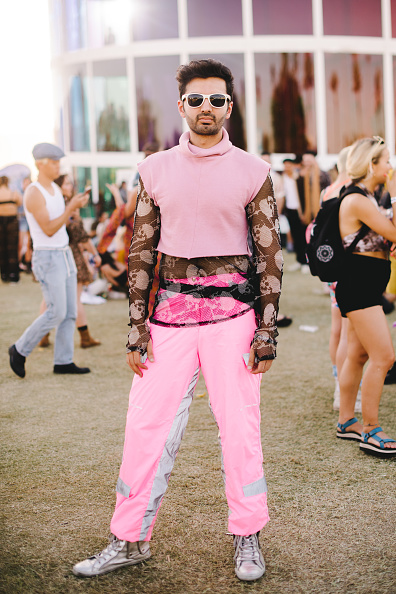 Turtleneck「Street Style At The 2019 Coachella Valley Music And Arts Festival - Weekend 1」:写真・画像(12)[壁紙.com]
