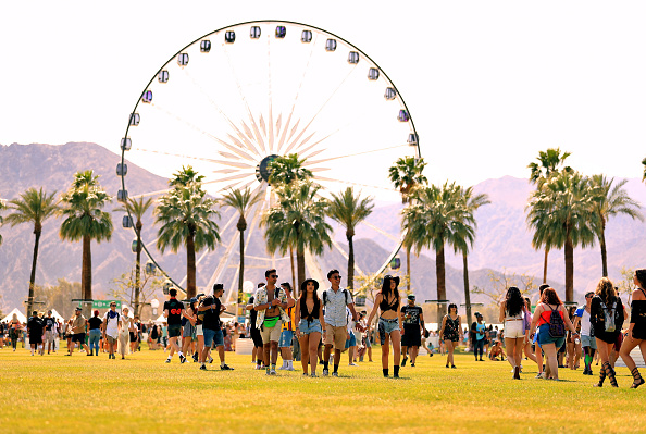 Attending「2018 Coachella Valley Music And Arts Festival - Weekend 1 - Day 1」:写真・画像(9)[壁紙.com]