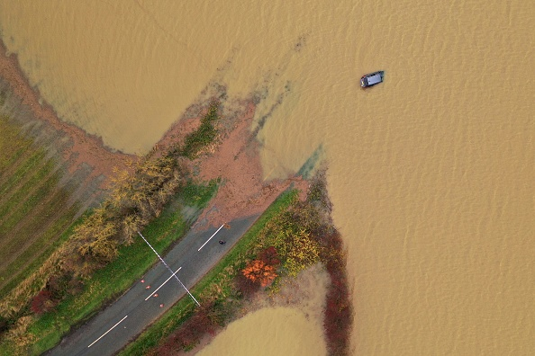 Underwater「Fresh Rainfall Brings More Flooding And Weather Warnings」:写真・画像(17)[壁紙.com]