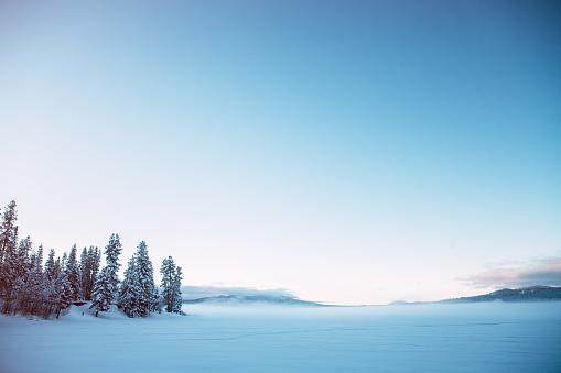 Frozen「Diamond Lake and Mount Bailey in Oregon」:スマホ壁紙(10)