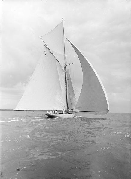 Cutting「Istria Sailing Downwind Under Spinnaker」:写真・画像(19)[壁紙.com]
