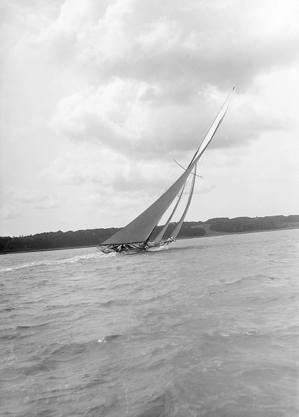 Cutting「Istria Sailing Close-Hauled」:写真・画像(0)[壁紙.com]