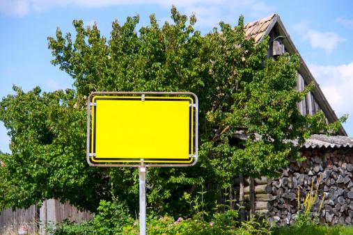 Lost「sign - gelbes leeres Ortschild」:スマホ壁紙(7)