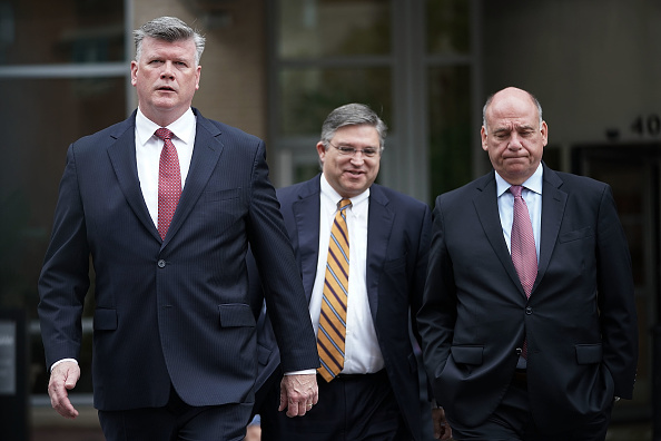 Alex Wong「Jury Deliberations Continue In Paul Manafort Tax And Bank Fraud Trial」:写真・画像(14)[壁紙.com]