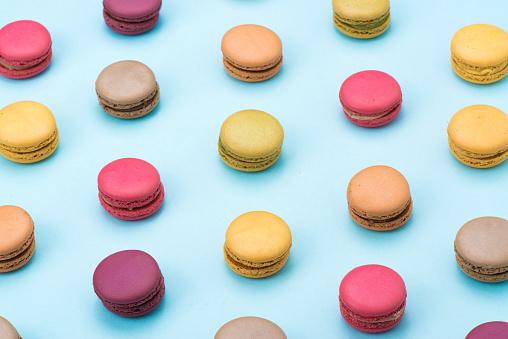 Bakery「Macaroon on table」:スマホ壁紙(19)