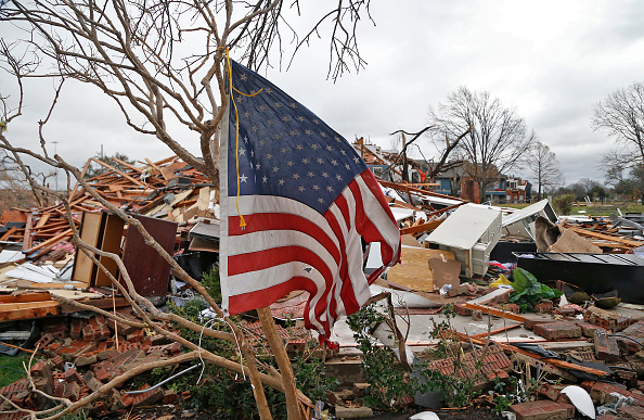 アメリカ合州国「Texas Residents Begin Recovery After Tornadoes Create Path of Destruction」:写真・画像(10)[壁紙.com]