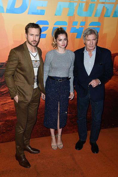 全身「'Blade Runner 2049' Photocall At Le Bristol In Paris」:写真・画像(0)[壁紙.com]
