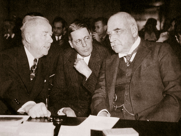 Two People「Thomas W Lamont George Whitney And JP Morgan American Financiers 1930s」:写真・画像(4)[壁紙.com]