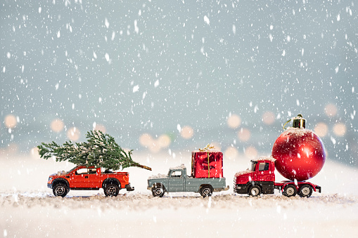 December「Toy cars with  Christmas gifts」:スマホ壁紙(9)