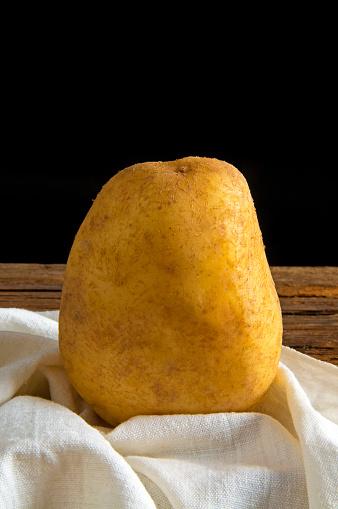 Napkin「Raw potato on a napkin」:スマホ壁紙(12)