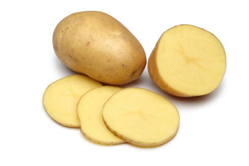 Baked Potato「Raw Potato Full body and Freshly cut Isolated on white」:スマホ壁紙(17)