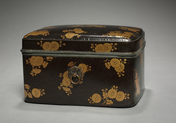 Chrysanthemum「Box With Chrysanthemum Design And Lid」:写真・画像(15)[壁紙.com]