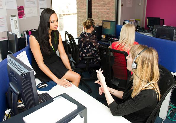 Ian Gavan「Alesha Dixon Visits National Domestic Violence Helpline To Launch Avon's Pass It On Campaign To Speak Out Against Domestic Violence」:写真・画像(16)[壁紙.com]