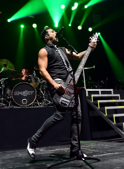 Skillet - Cooking Pan「Carnival Of Madness Tour At The Joint At The Hard Rock」:写真・画像(13)[壁紙.com]