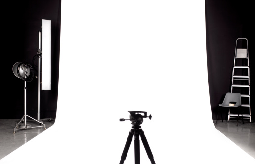 Photography Themes「Tripod in photographers studio」:スマホ壁紙(4)