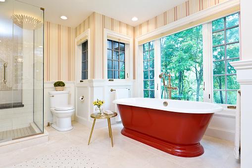 Free Standing Bath「Contemporary Bathroom Design with Freestanding Iron Bathtub」:スマホ壁紙(8)