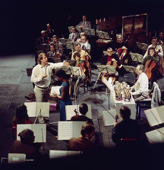 Erich Auerbach「Karlheinz Stockhausen」:写真・画像(0)[壁紙.com]