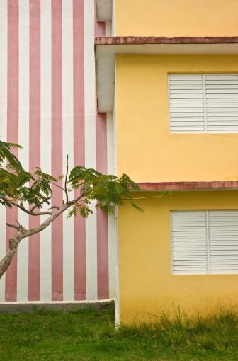 Corner「Contemporary Cuban suburbia」:スマホ壁紙(17)