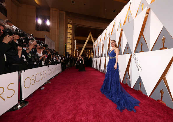 Arrival - 2016 Film「88th Annual Academy Awards - Red Carpet」:写真・画像(6)[壁紙.com]