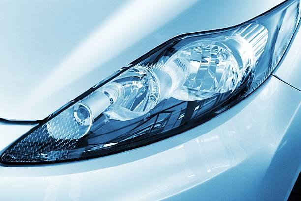 Modern car headlight close up:スマホ壁紙(壁紙.com)