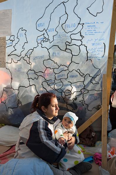 Passenger Craft「Refugees On Lesbos」:写真・画像(5)[壁紙.com]