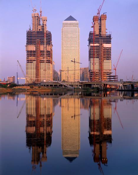 Urban Skyline「Canary Wharf  construction of the HSBC and City Group Towers」:写真・画像(16)[壁紙.com]