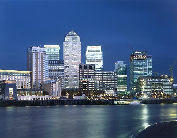 Urban Skyline「Canary Wharf  Docklands area. London  United Kingdom.」:写真・画像(16)[壁紙.com]