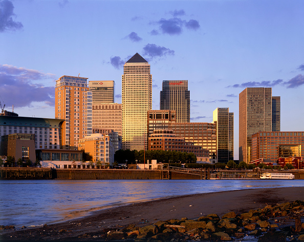 Urban Skyline「Canary Wharf  Docklands area. London  United Kingdom.」:写真・画像(15)[壁紙.com]