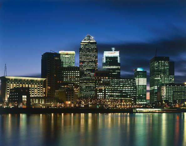 Urban Skyline「Canary Wharf  Docklands area. London  United Kingdom.」:写真・画像(17)[壁紙.com]