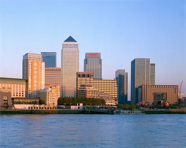Urban Skyline「Canary Wharf  Docklands area. London  United Kingdom.」:写真・画像(18)[壁紙.com]