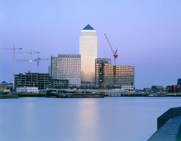 18-19 Years「Canary Wharf  Docklands area. London  United Kingdom.」:写真・画像(19)[壁紙.com]