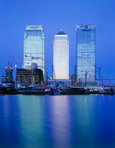 Dawn「Canary Wharf  Docklands area. London  United Kingdom.」:写真・画像(9)[壁紙.com]