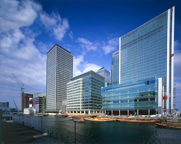 Urban Skyline「Canary Wharf  Docklands area. London  United Kingdom.」:写真・画像(4)[壁紙.com]