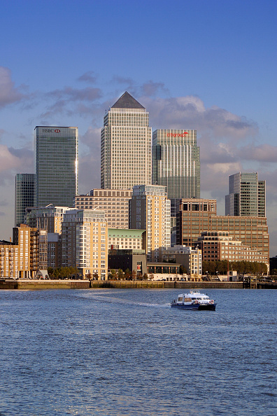 Urban Skyline「Canary Wharf, Docklands area. London, United Kingdom.」:写真・画像(4)[壁紙.com]